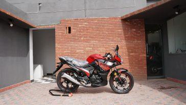 LIFAN KPR200 parked in garage